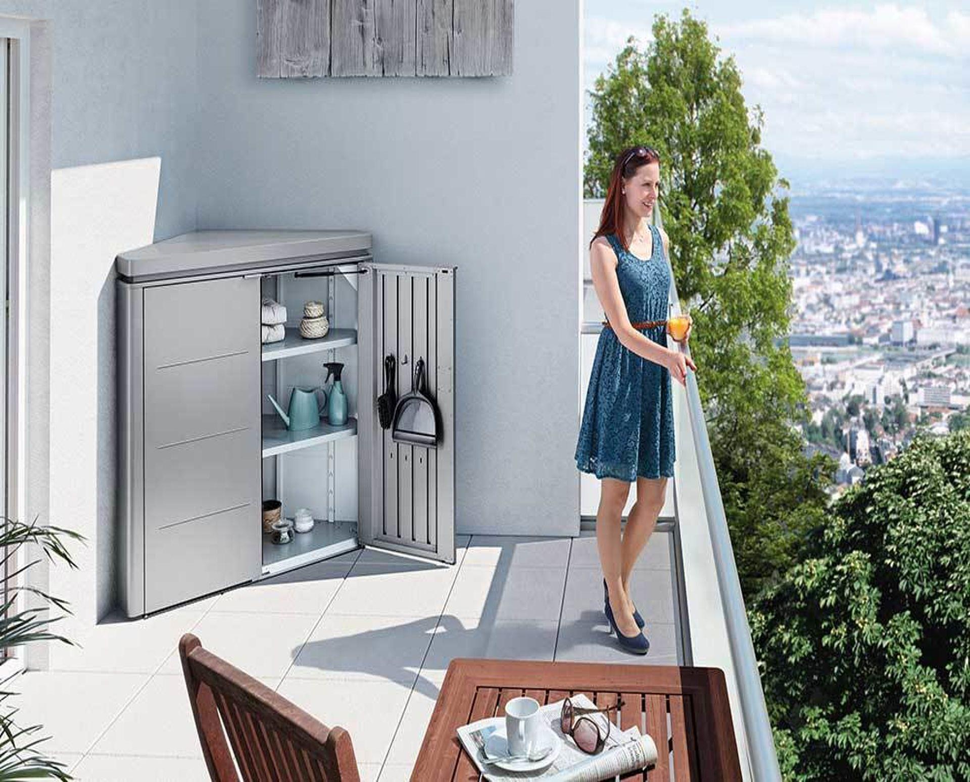 CornerBoard quarzgrau-metallic Imagebild Balkon
