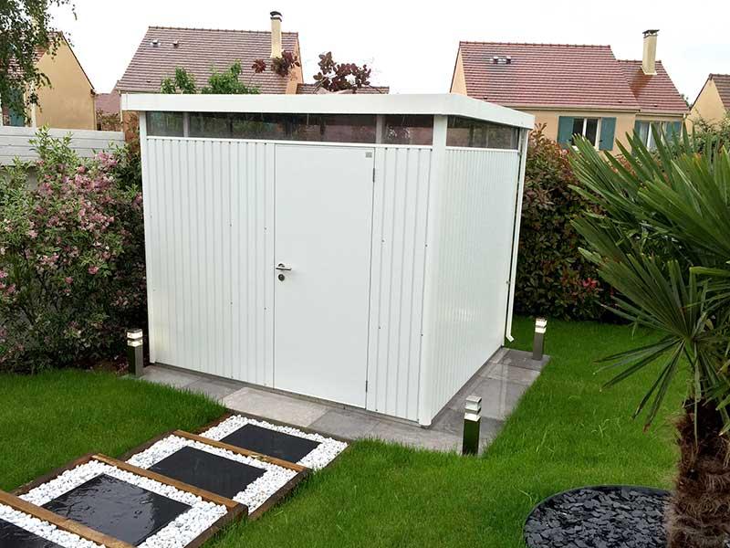 abri de jardin biohort highline le dernier abri avec un toit plat. Black Bedroom Furniture Sets. Home Design Ideas