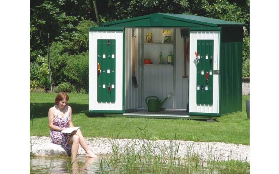 Alles in bester Ordnung -  Die Arbeit im Garten ist meditativer Ausgleich zum oft hektischen Alltag. Da kann einen die Suche nach den Geräten schon einmal aus der Ruhe bringen. (Bild: Gerätehaus Europa Größe 3)