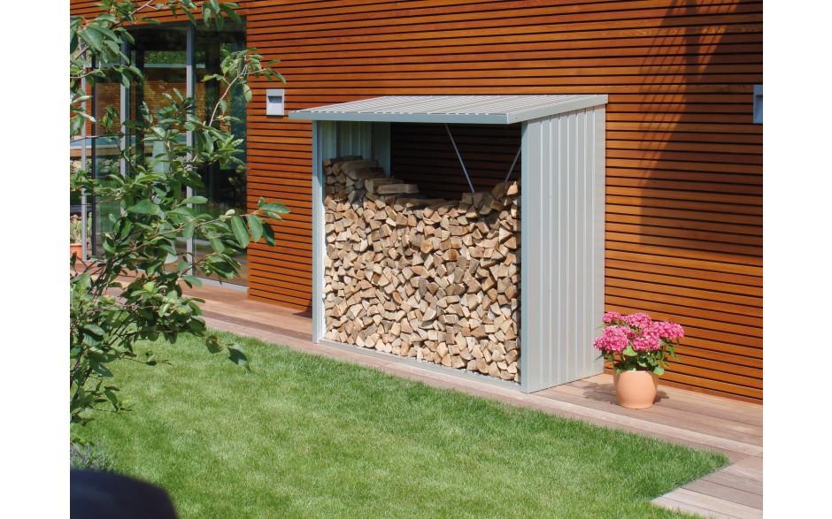 Großes Platzangebot - Bei einer Brennholzlänge von bis zu 35 cm ist Holzlagerung sogar in zwei Reihen möglich - Foto: WoodStock Größe 230